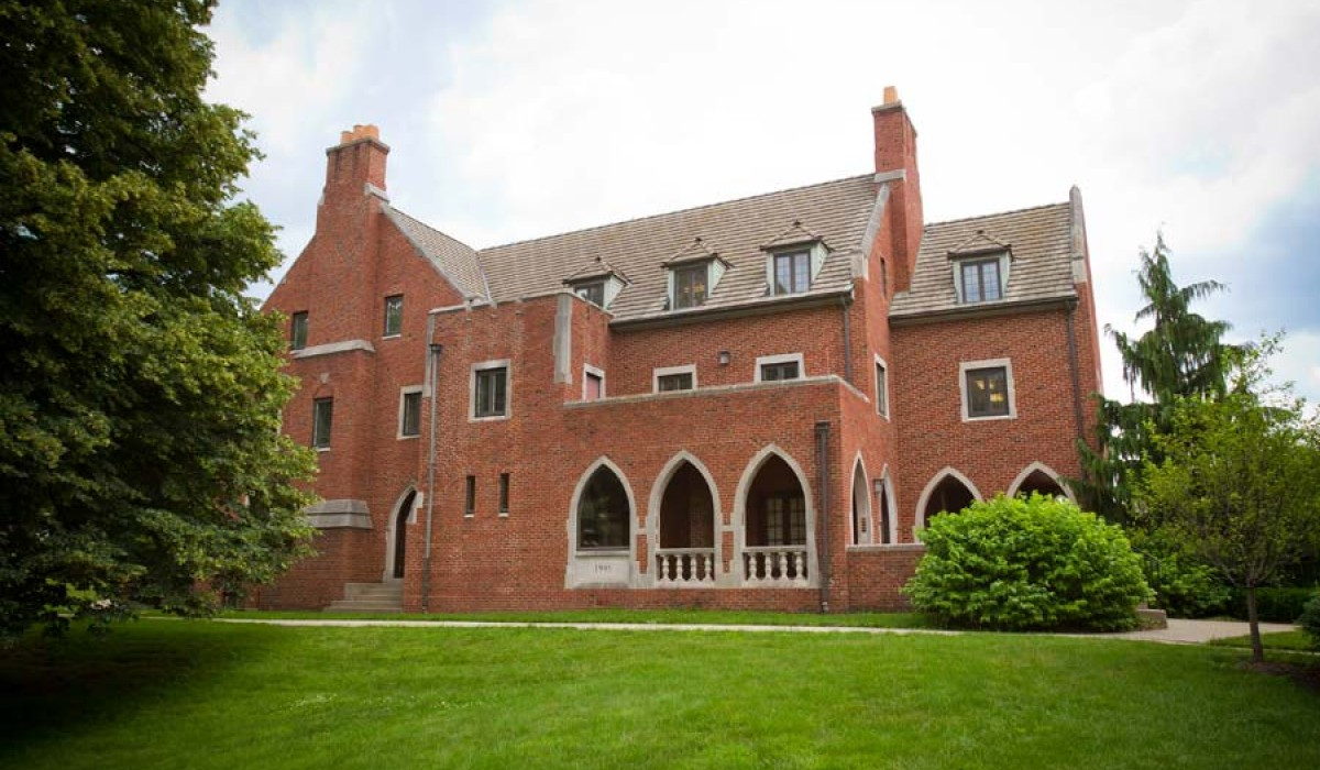 Bayley Alumni House exterior