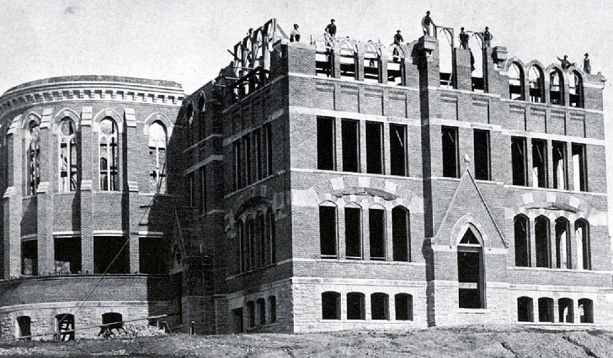 Wittenberg University's Recitation Hall under construction
